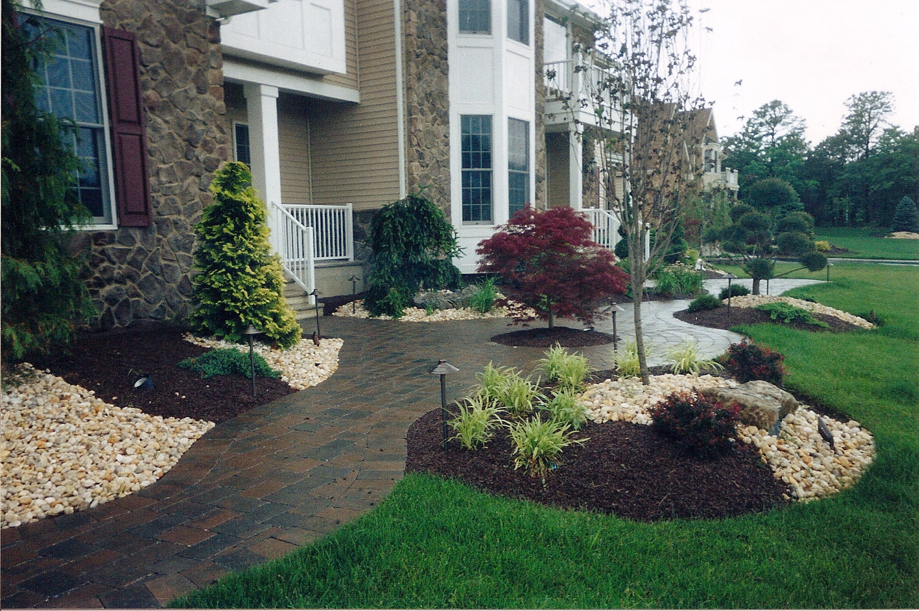 Walkway and landscaping landscaper nj lawn care nj for Designer landscapes